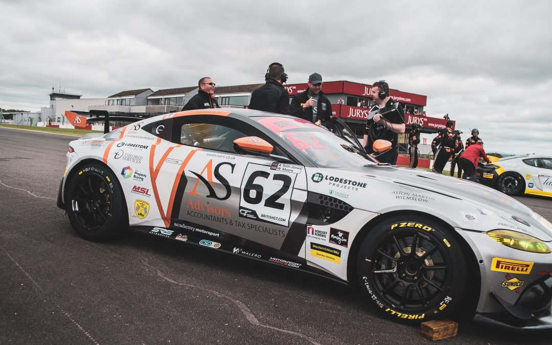 Donington – Watch out we are coming through!
